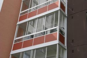 Zasklívání balkónů a lodžií AluMistr